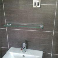 Grey-Bathroom-vert4